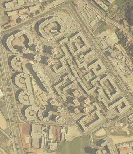 Vue aérienne d'un ensemble d'immeubles, orthophotographie après correction par Kermap